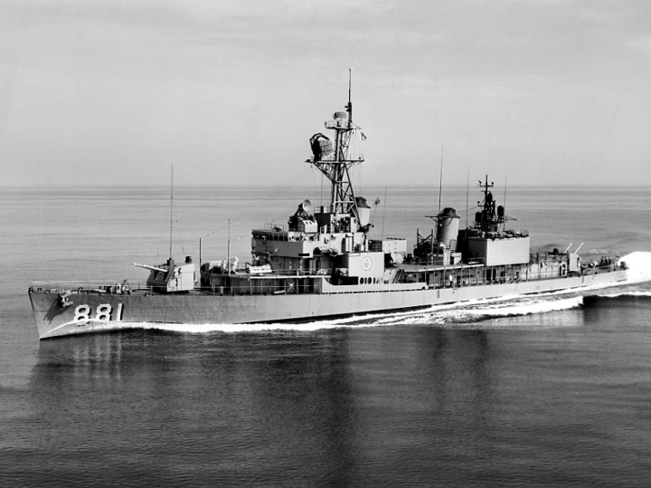 USS_Bordelon_(DD-881)_underway_at_sea_on_20_July_1964_(NH_106988)